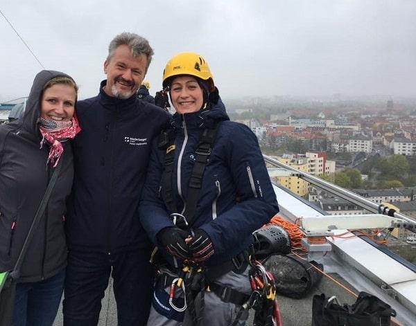 BU: Betriebsleiter Peter Hollmann mit Kolleginnen Bild: Niederberger Berlin GmbH & Co KG