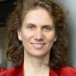 Prof. Dr. Andrea Pelzeter ist Fachleiterin Facility Management an der Hochschule für Wirtschaft und Recht Berlin im Fachbereich Duales Studium Wirtschaft, Technik.